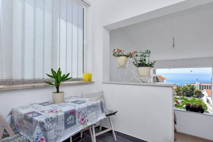Brand new apartment near the beach!