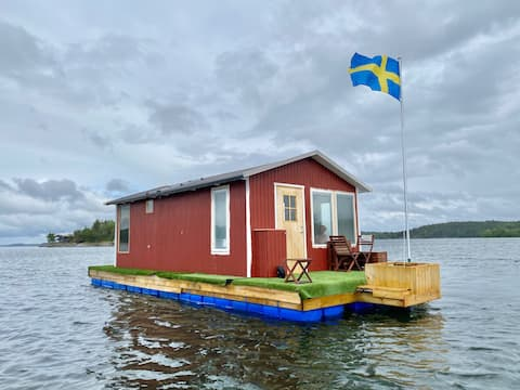 House boat #1 with unique view.