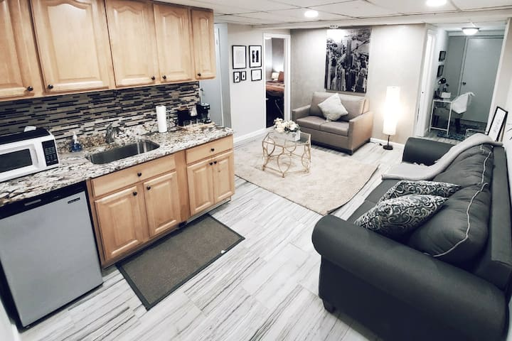 🤩Styleluxe Ground Level Apt/ 20 min to NYC/for 6