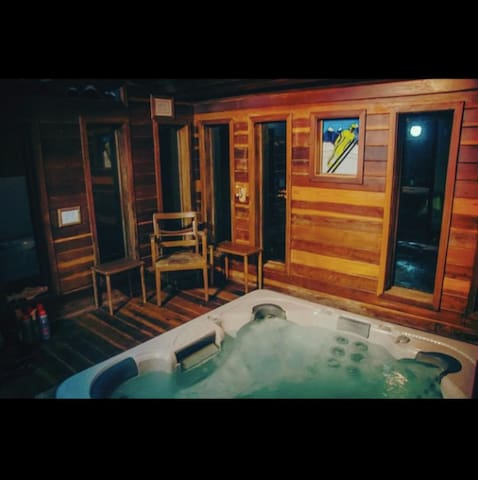 The Breck Haus-with Private Hot Tub - 420 friendly