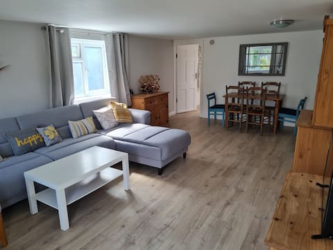 Spacious guest house close to central oxford