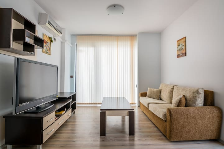 One-bedroom apartment - Close to the Airport