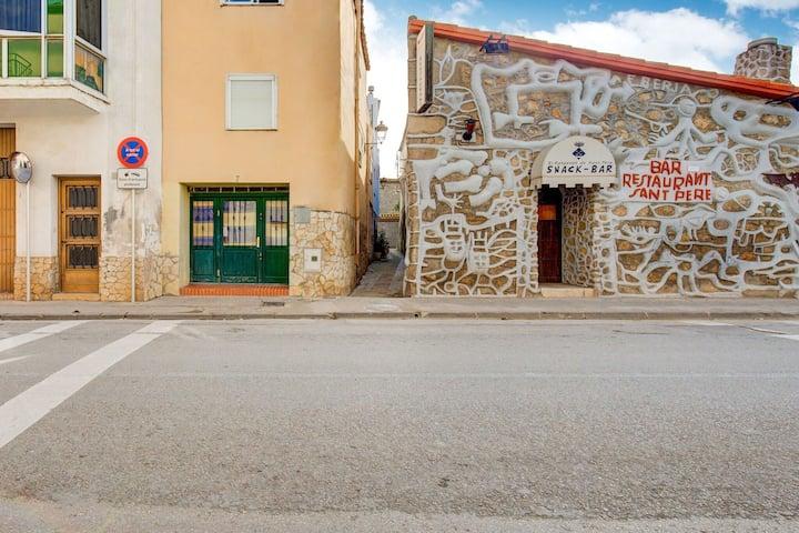 Acogedora casa vacacional en Sant Pere Pescador con jardín