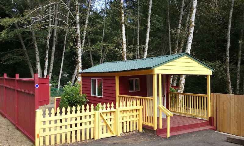 Bloomin Cottage - Family Camp Off Grid Experience! - Neotsu - Bungalow