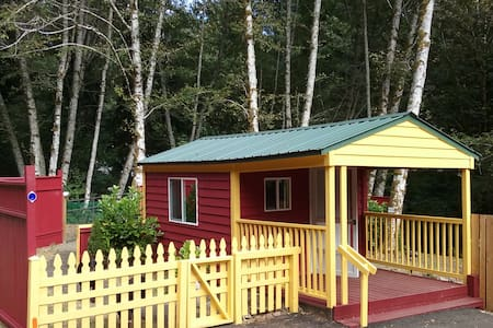 Bloomin Cottage - Family Camp Off Grid Experience! - Neotsu