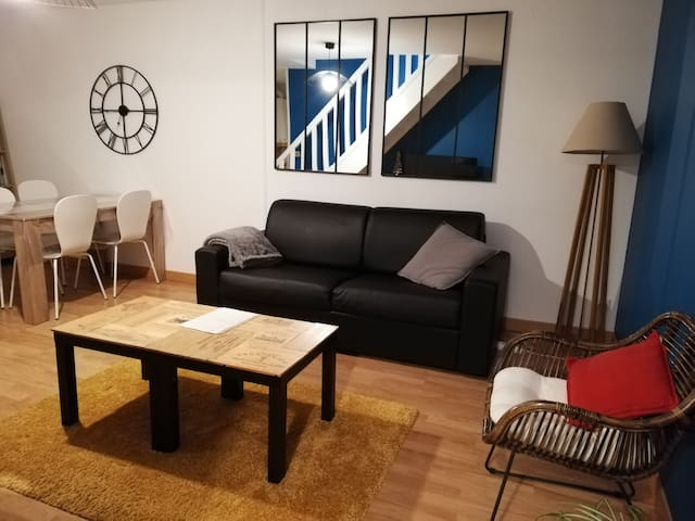 Duplex 60m² : wifi / parking / proche Chapit'O