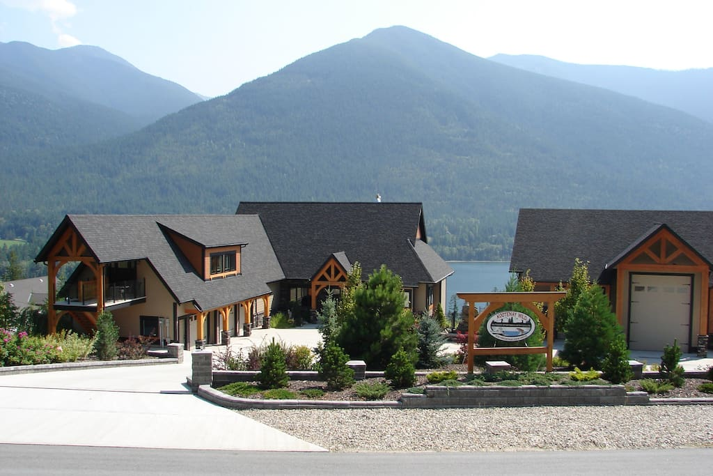 Make Kootenay Wild Airbnb your summer vacation destination . - Charter Kootenay Wilds 30 ft Bayliner . - Golf 18 holes at Balfour's Course . - Dine and soak at Ainsworth Hot Springs. - Visit Provincial parks. - Kokanee Mountain Zip Line .