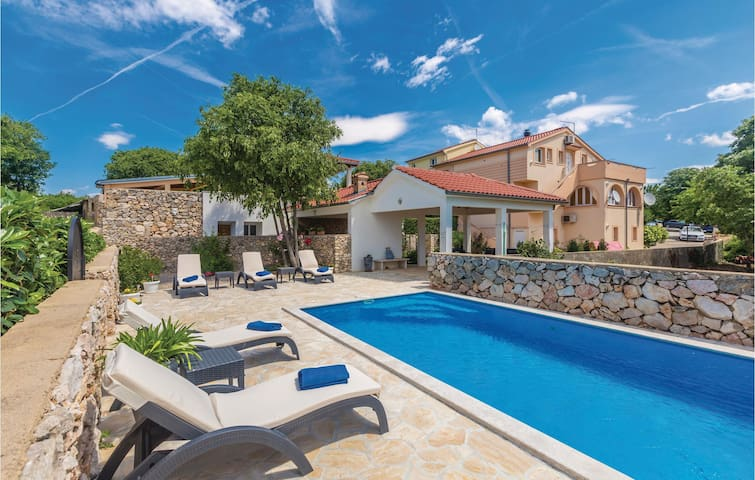 Holiday apartment with 3 bedrooms on 71m² in Garica