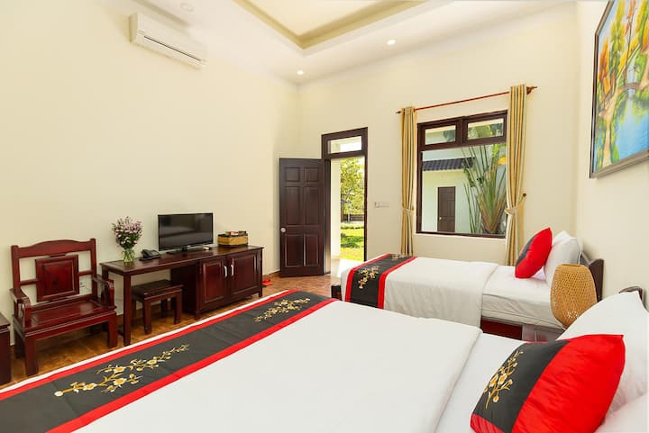 Hoàng Bách Resort - Superior Room Pool View