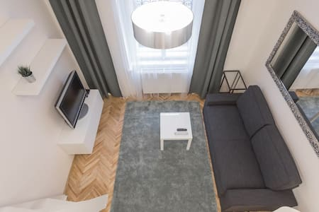 Newly renovated studio close to OLD TOWN #2