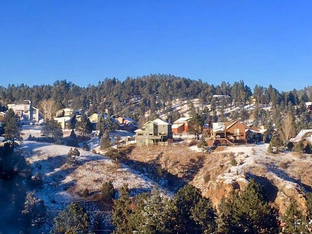 Evergreen & Red Rocks Mountain Retreat