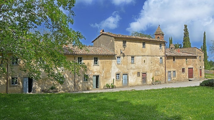 Tuscan House in walking distance to Village.