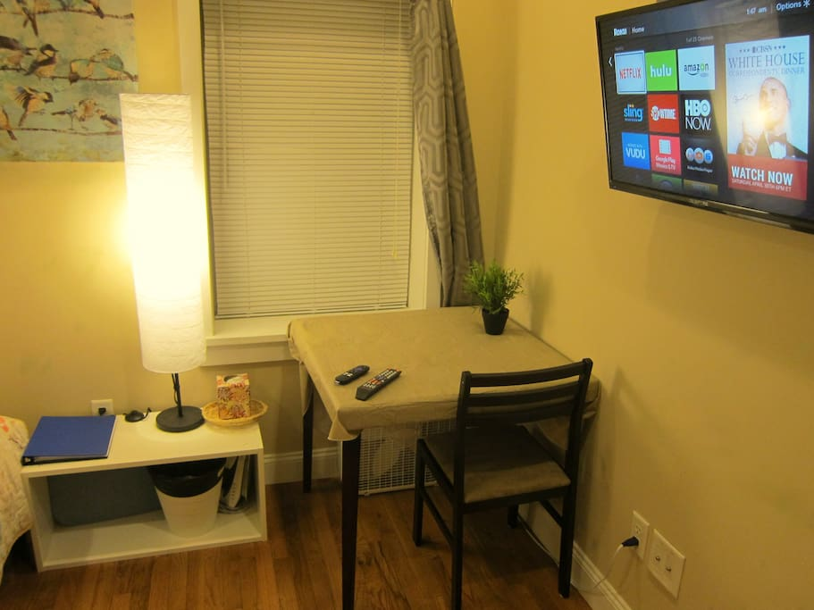 Bright and spacious room for studying or relaxing. Smart TV has many entertainment channels such as Netflix, Hulu, etc.