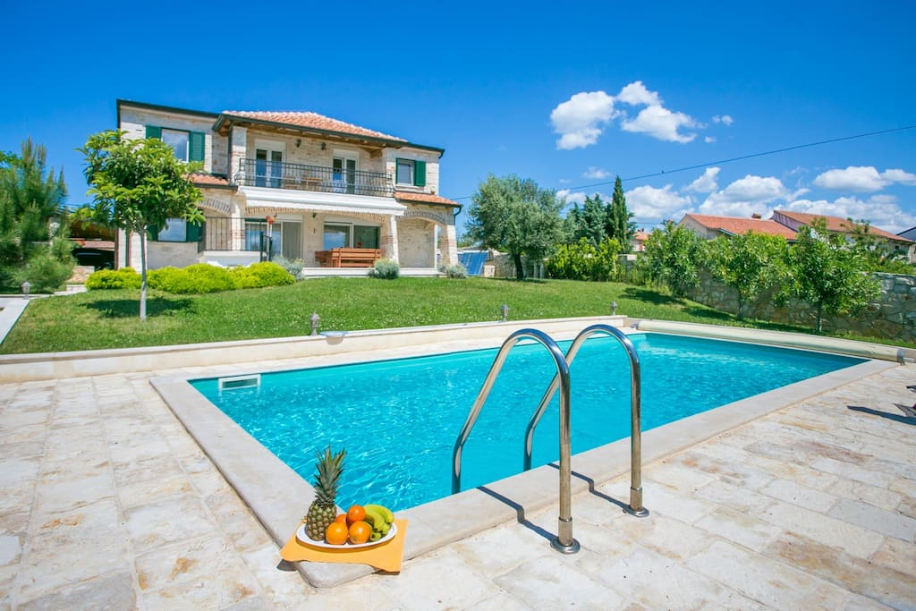 Villa Nika With Swimming Pool Houses For Rent In Tar Istria County Croatia