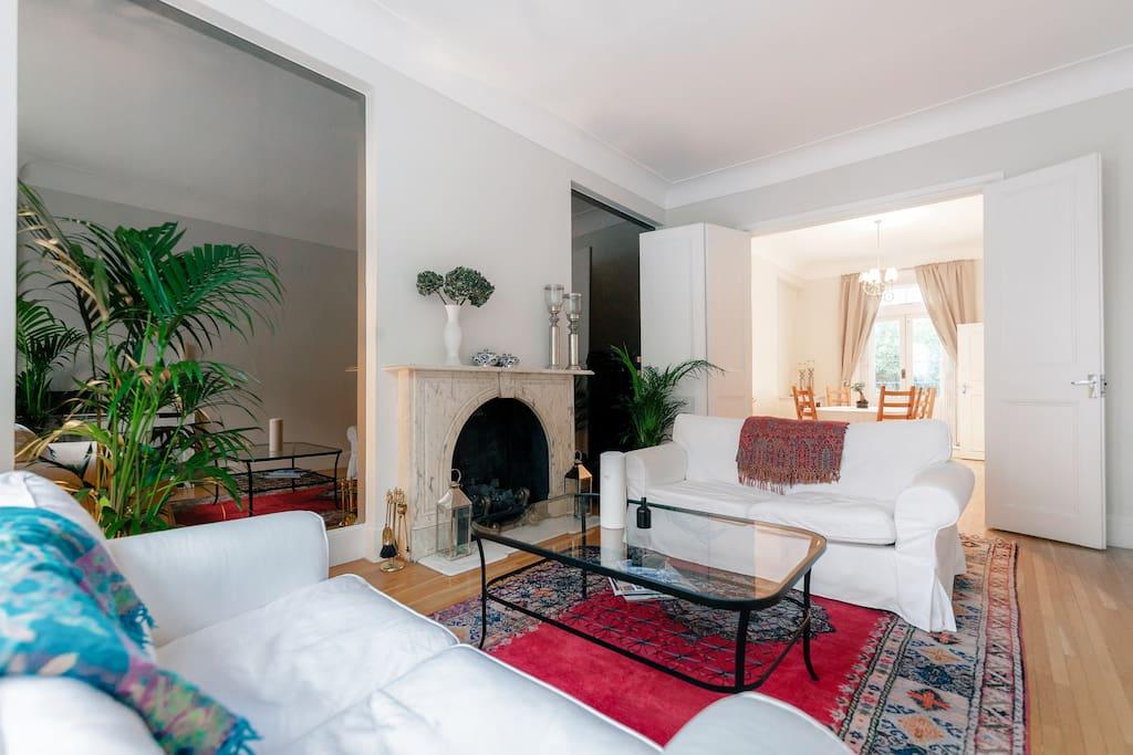 Heart of chelsea lrg apt pvt yard apartamentos en alquiler en londres inglaterra reino unido - Alquilar apartamento en londres ...