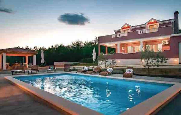 Special Offer Villa Marta,private pool near Split.