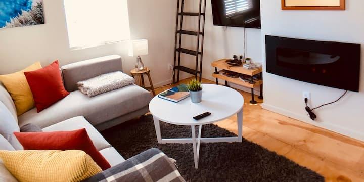 Mountain House Getaway 1 Bedroom + sleeping Loft