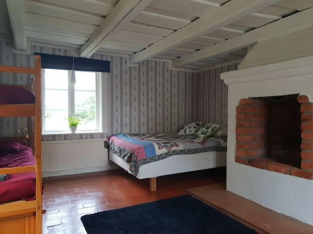Bedroom 2 with 3 beds. 1 bunk bed and 1 full size (140 cm)