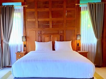 Bed Room, Queen Bed 180 x 200