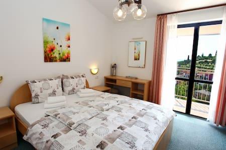SB27 Amazing view room for 3 - Lucija