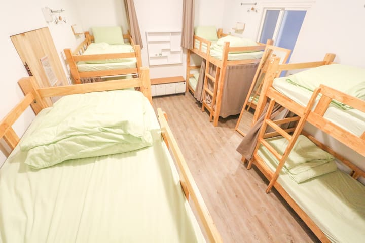 Fancy style 8 Bed Female Dorm  (Female Only)