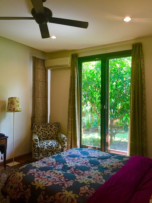 Bedroom with attached bath, cable TV, air-conditioning and high-speed Internet