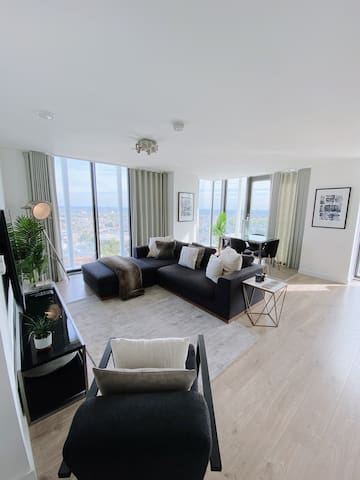 Brand New Luxurious 1bed Apart in Stratford ,Zone2