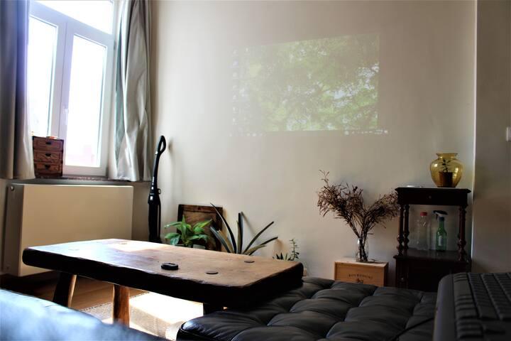 Chambre + salon privé proche de la Gare du midi