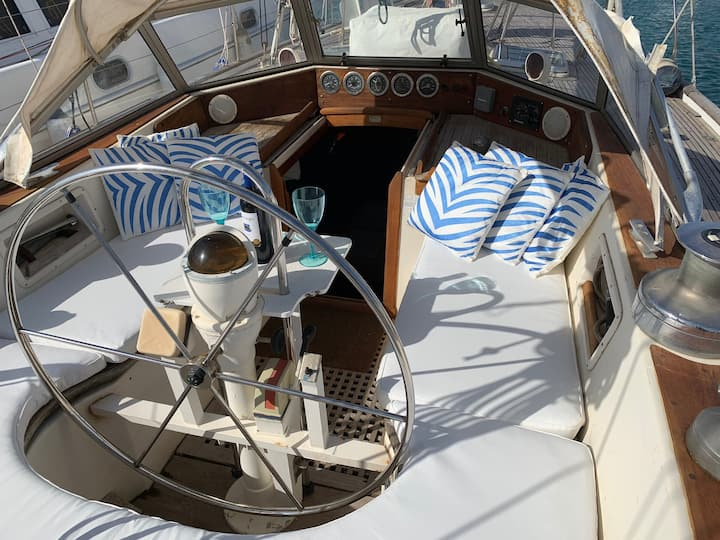 A sail boat, A unique stay experience