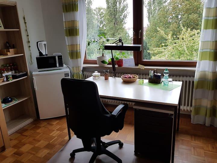 Zimmer mit Aussicht in ruhiger Wohnlage