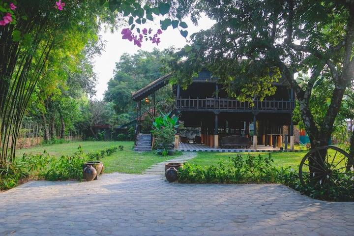Mian Leab House