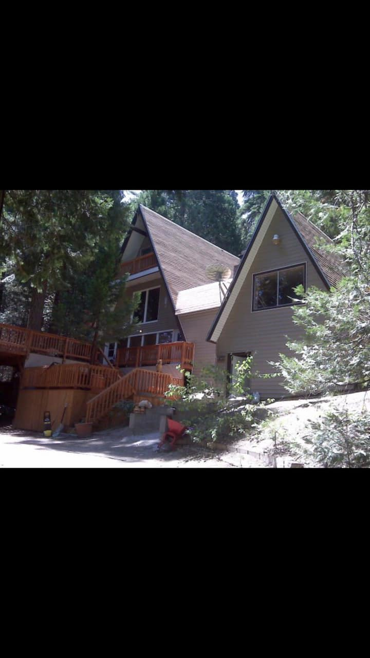 Sequoia National Forest CabinA