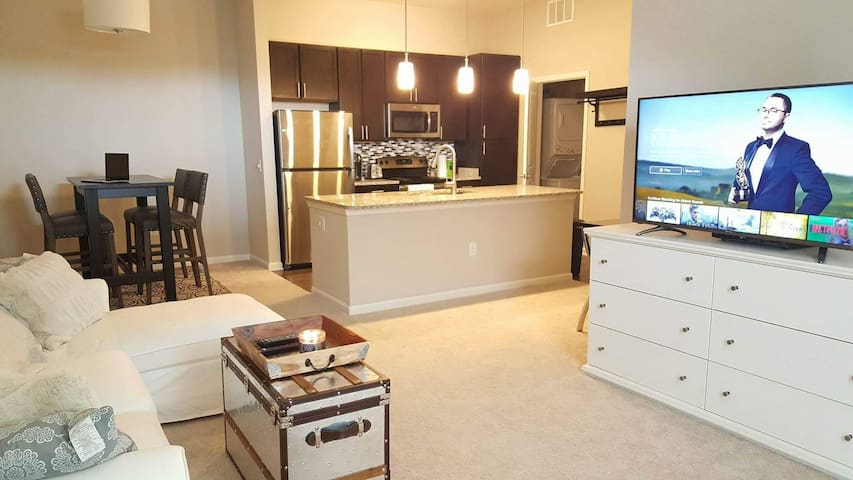 Luxury 2 bedroom home away from home