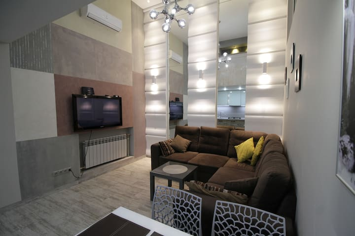 VIP Apartment 3 Bedrooms with Jacuzzi Opera House