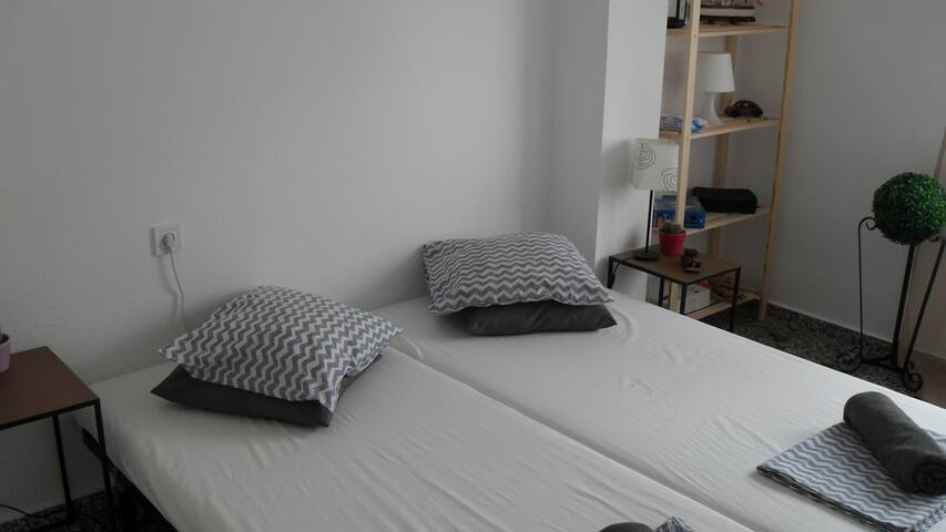 Nice Double Bed Room Wi-Fi Gandia Historic Center