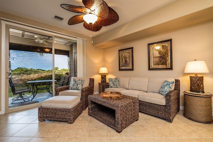 D1 Mauna Lani Palm Villas.  Includes Mauna Lani Beach Club Pass