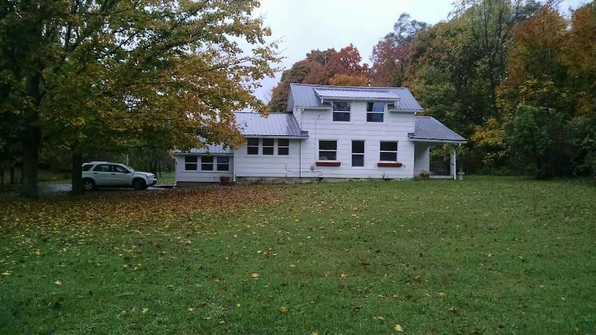 Musician's paradise, Quiet 2 acre setting - Dayton