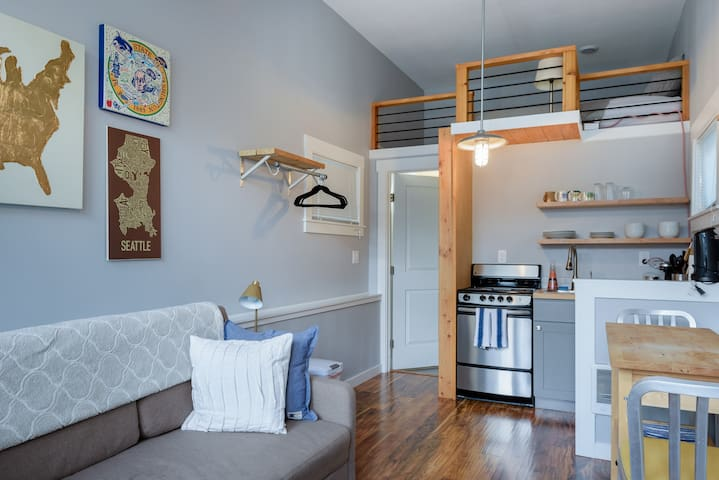 """Tiny Home"" in the heart of Green Lake/Phinney - Seattle - Loft"