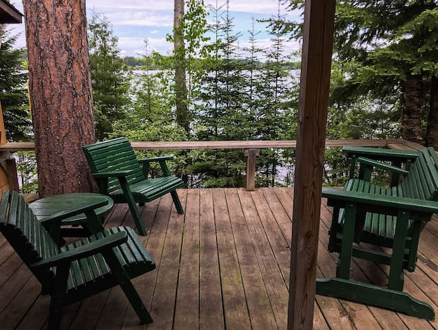 Remodeled Lake Cabin;WiFi,TV,Fire Pit,Dock.