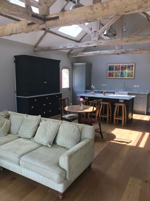 Beautiful brand new barn conversion with wooden flooring, bespoke kitchen, Aga, wine fridges, Apple TV , WiFi, ensuite bedrooms