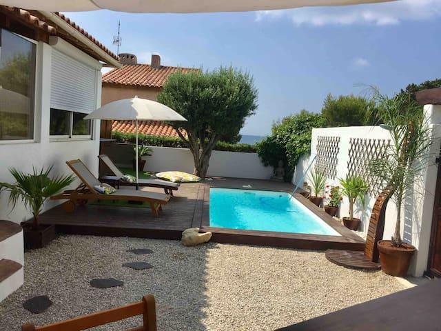 Studio avec jardin, piscine privée, 50 m de la mer