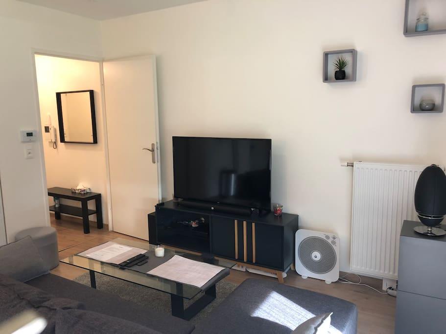 Écrans LED/ home cinéma /baffe Bluetooth /chaîne câblée /fibre optique