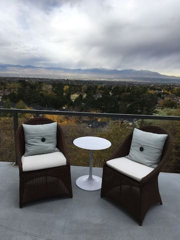 Skiers Dream Minutes from Resorts! - Salt Lake City - House