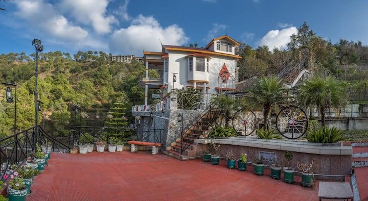 3 BHK Cottage, Chail, Lawn, Balcony, Bonfire,