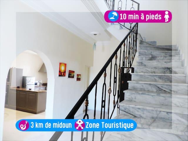 Belle Maison, 3 chambres, plein zone touristique