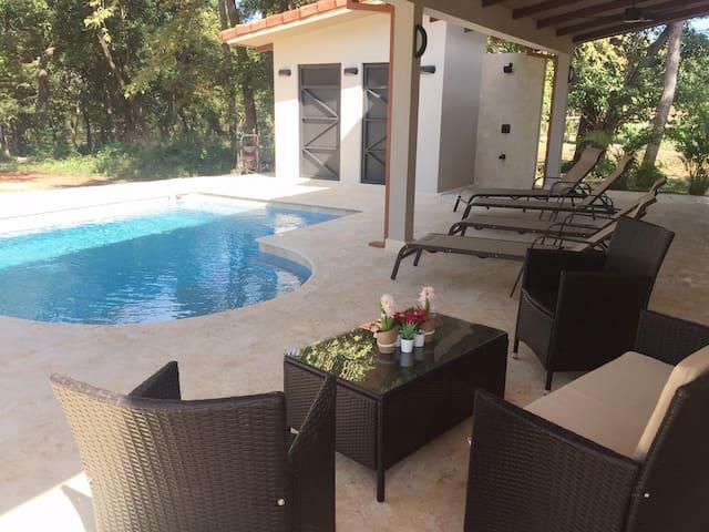 NEW 4 BR Casa Tasipio with pool near Playa Conchal