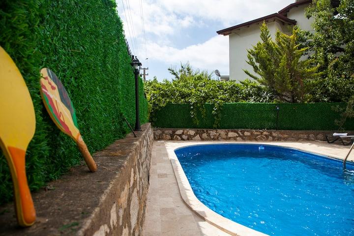 Dadya 2 - Datca merkezde özel havuzlu villa