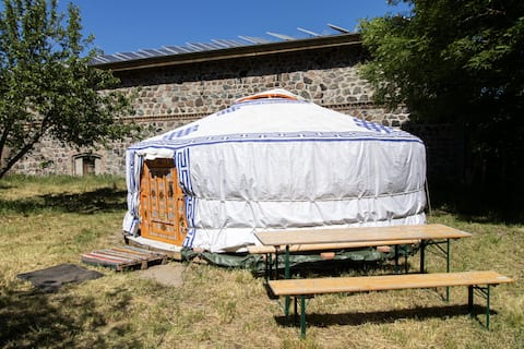 Cosy Yurt in a orchard, close to Berlin