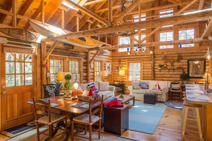 Cedar Log Cabin in Boothbay Harbor - Boothbay Harbor - Cottage