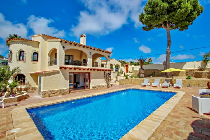Alice - holiday home with private swimming pool in Benissa